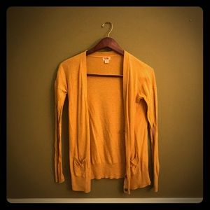 Like new! Mossimo Supply Co Size M Cardigan.